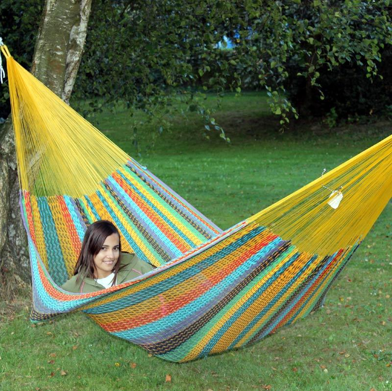 Very good hammock to lie in.