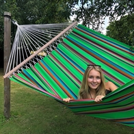 Mexico Green hammock comes in the most beautiful colors with 140 cm wooden spreader bars. No. VTQ555/140
