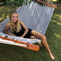 Trendy hammock in black and white with spreader bars